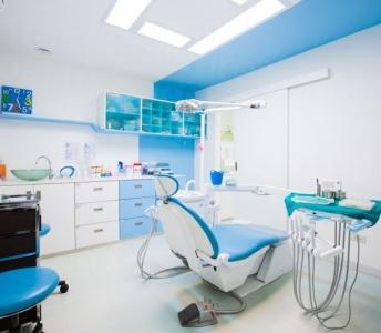 ¿Cómo elegir una clínica dental y un odontólogo de confianza?