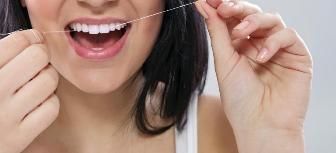 ¿por qué es importante usar hilo dental?